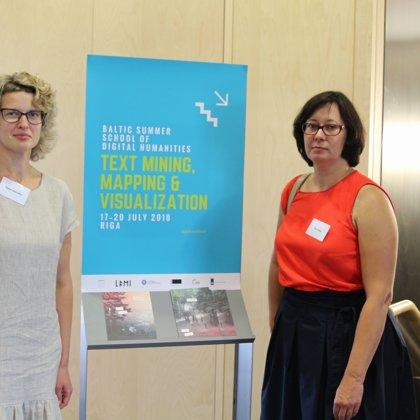 Teachers Baiba Saulīte and Ilze Auziņa (LU MII Ailab)